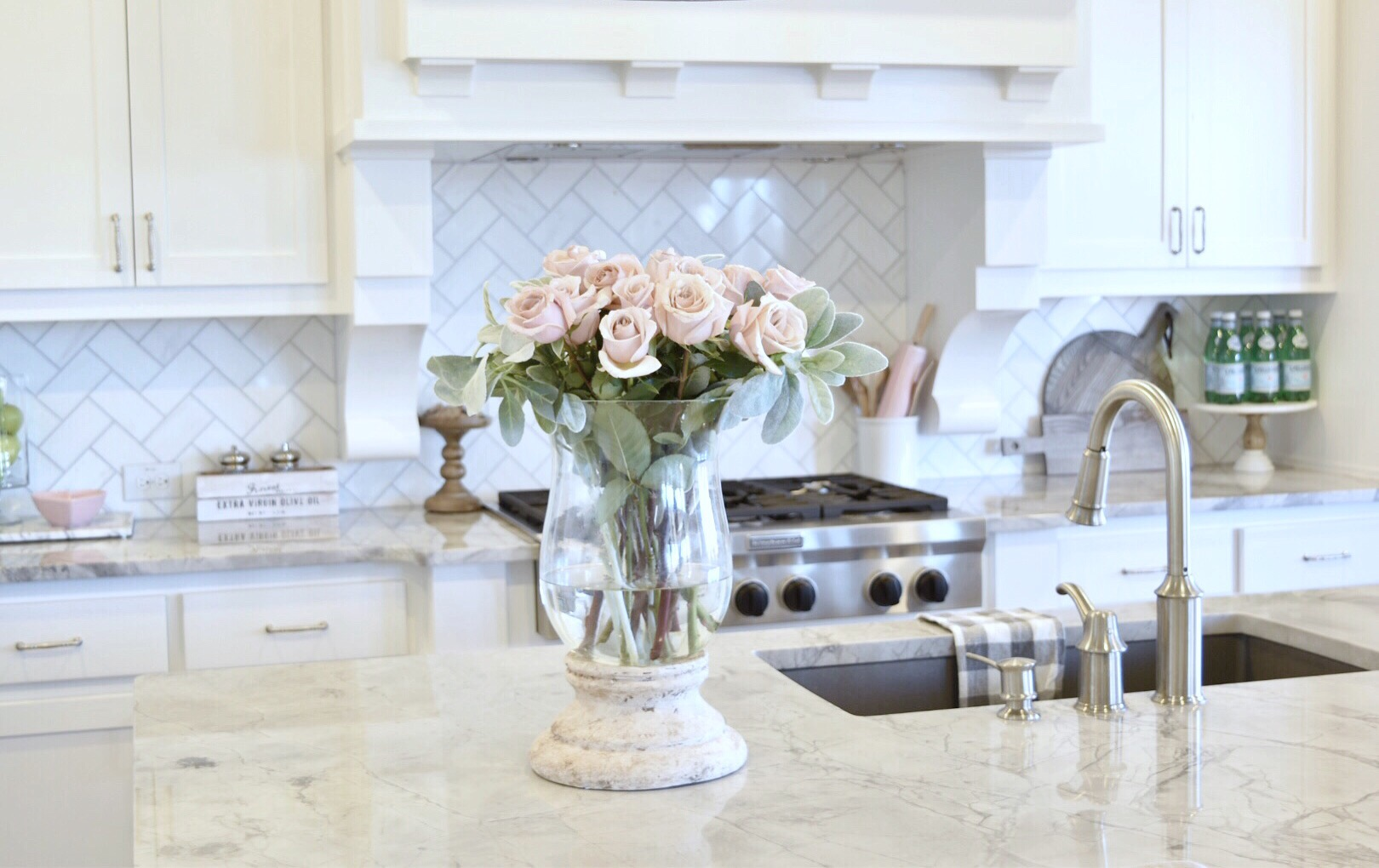 Valentine 39 S Day Decor Pops Of Pink My Texas House